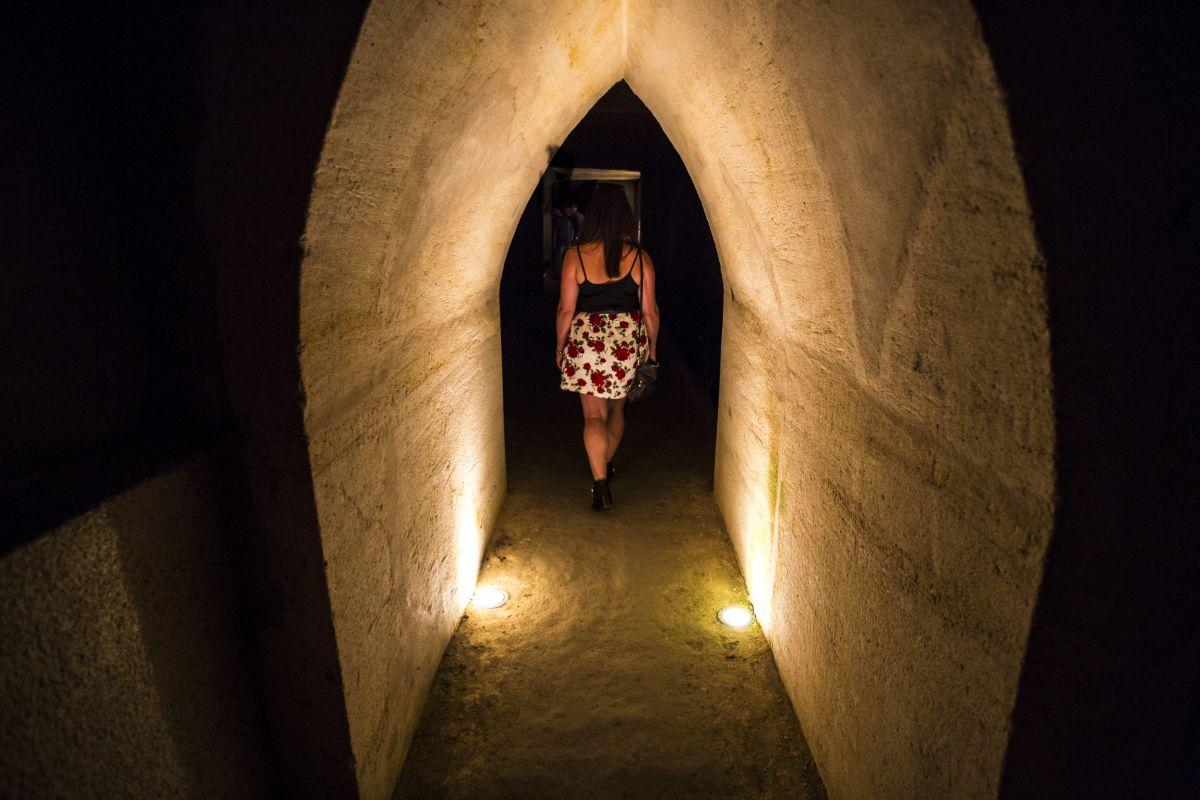 Nadia El Ferdaoussi Travel Blogger Chateau la Riviere Bordeaux Lidl Wine