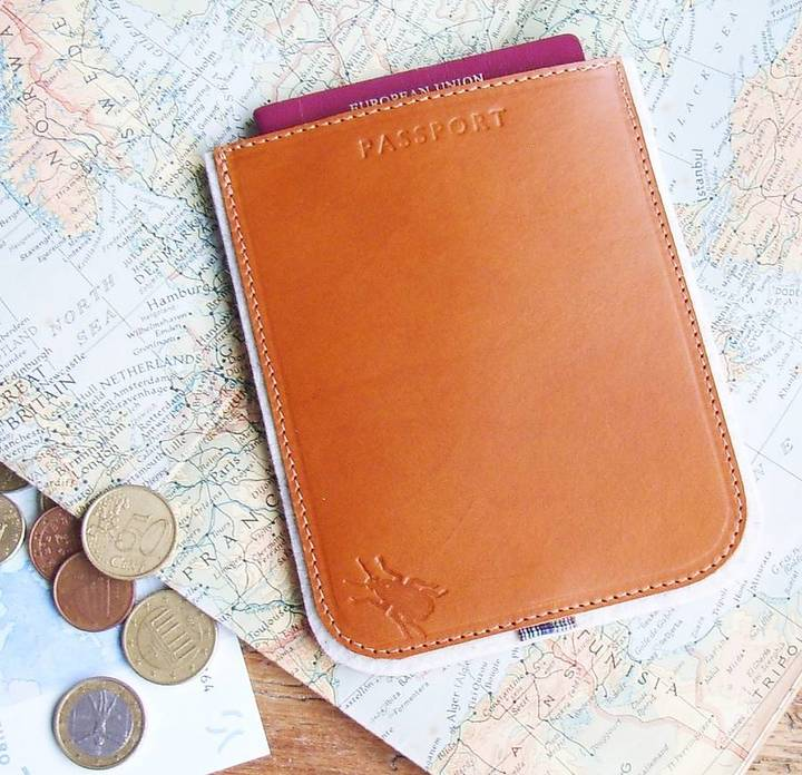 gift guide for girls that travel