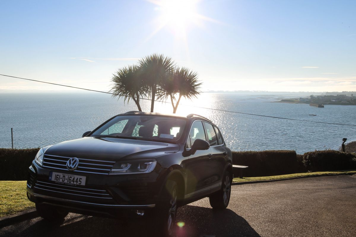 thedailyself.me Volkswagen Touareg Sunrise in Carlingford Invite Ireland Viewpoint Motel style B&B Nadia El Ferdaoussi adventure
