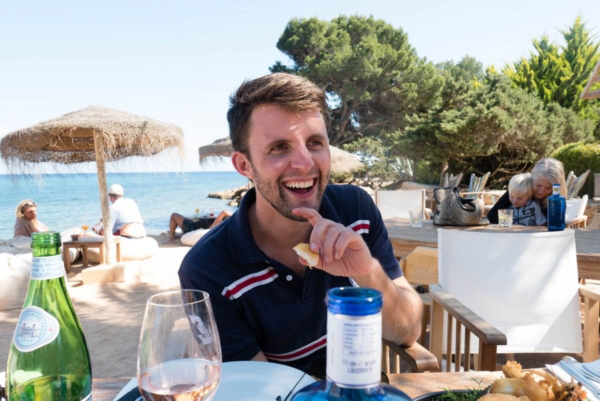 Nadia El Ferdaoussi thedailyself.me Michael Vanarey Babylon Beach Ibiza