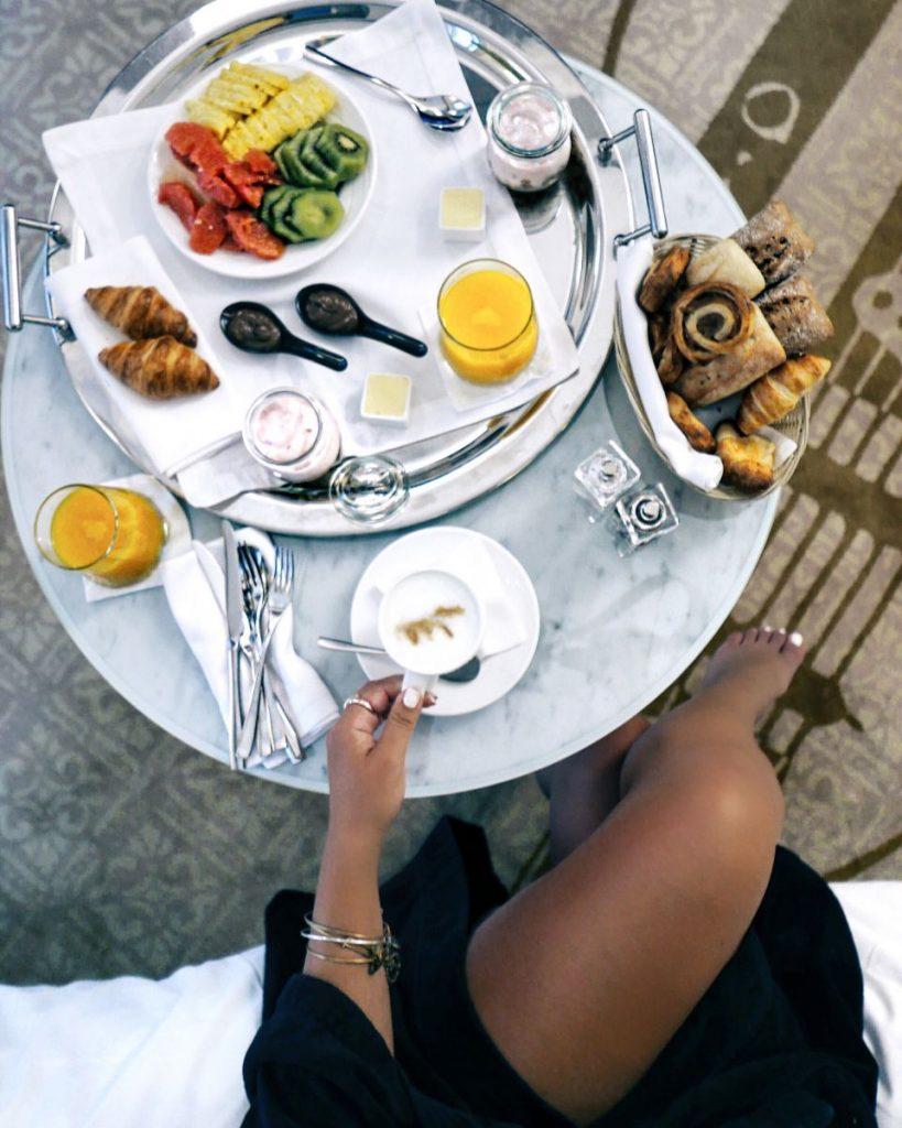 Aria Budapest Nadia El Ferdaoussi BuzzAndGo Travel Blogger Influencer Hungary room service breakfast