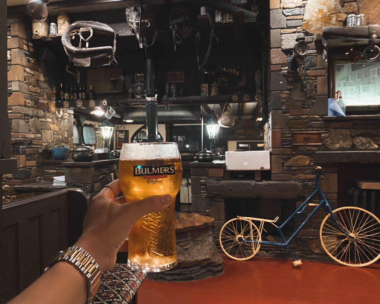 pint of bulmers in raglan road pub tramore