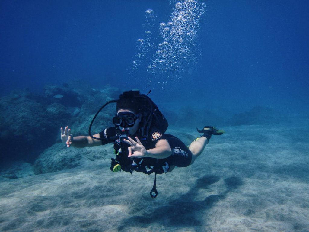 Nadia El Ferdaoussi Travel blogger Tenerife TenDive underwater scuba diving try dive