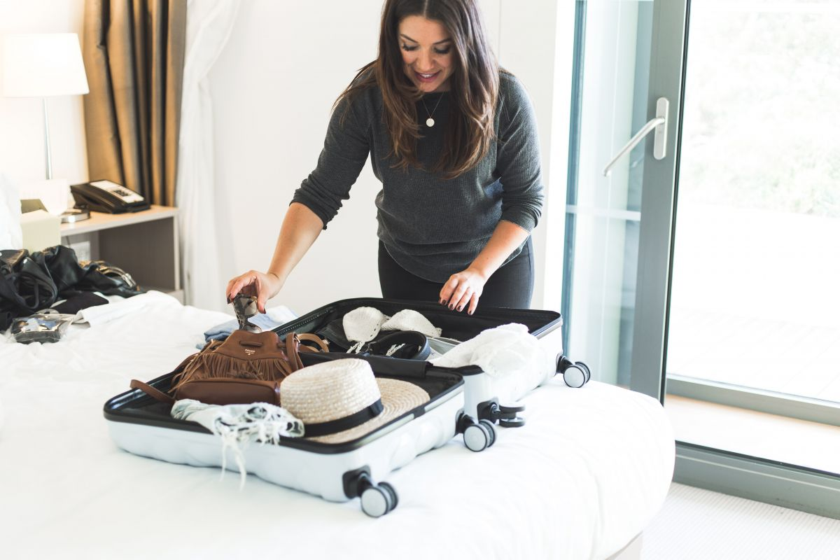 Packing tips pro travel blogger Nadia El Ferdaoussi the daily self Kinsale leather Kane weekender bag Penneys Primark suitcase A Pair and A Spare Simple Sandal