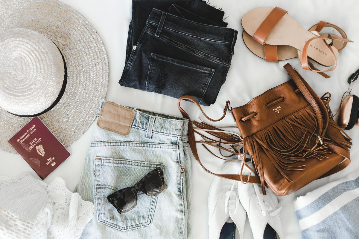 Packing tips pro travel blogger Nadia El Ferdaoussi the daily self Kinsale leather Kane weekender bag Penneys Primark suitcase holiday shop