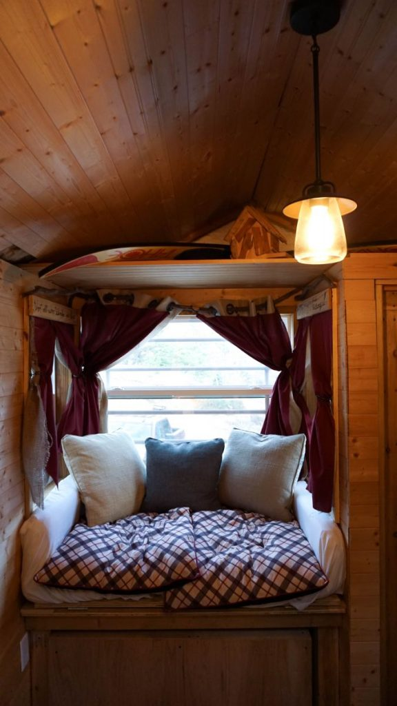 Tennessee road trip east Cookeville Airbnb promo discount code coupon Nashville Gatlinburg Smoky Mountains Jack Daniels Lynchburg cabin ghost town Falls Creek Falls National Park Nadia El Ferdaoussi travel blogger photography Tiny House Home
