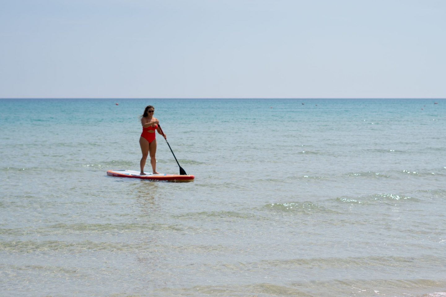Nadia El Ferdaoussi, the daily s'elf, Brindisi, Puglia. Travel in Italy SUP Stand Up Paddle Guna Beach