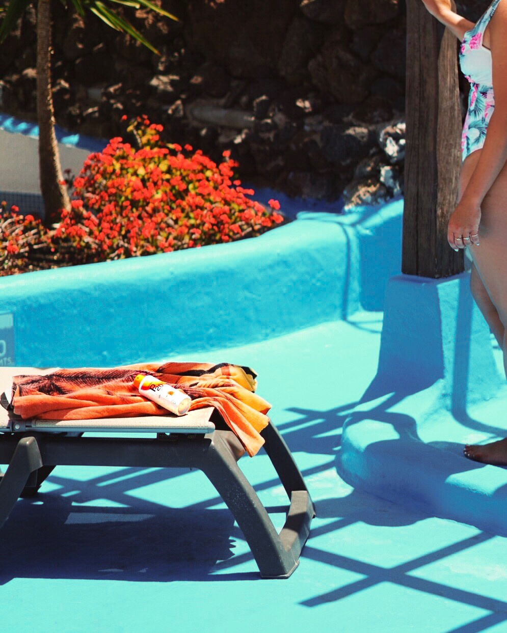 Nadia El Ferdaoussi poolside P20 SPF holiday essentials